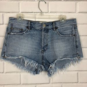 WE THE FREE People Cut Off Jean Shorts sz 28 Fray